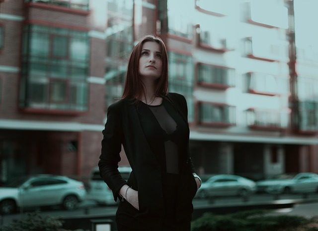 Comment personnaliser votre garde-robe comme une fille parisienne ?